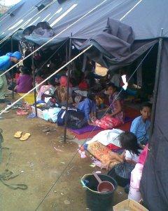 lebaran di tenda pengungsiang